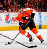 Adam Hall Adam Hall 18 de los Philadelphia Flyers...