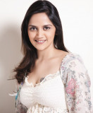 Ahana Deol comprometida con el empresario Delhibie...