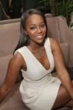 Regresar a la publicación Aja Naomi King ELLE s 6t...