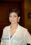 Akshara Haasan Perfil Hot Picture Bio Tamaño sujet...