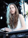 Alana Haim El cantante músico Alana Haim de Haim r...