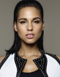 Alicia Keys es magnífica impecable en la portada d...