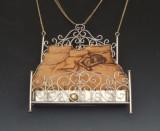 Aliyah oro cuero metal Todos los días