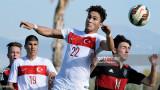 Alperen Sahin, de Turquía, y Angelo Rinaldi, de Al...