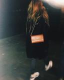 Andrea Belver vistiendo el bolso de calle Lupo Poc...