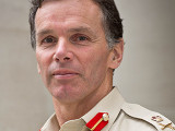 El Teniente General Sir Andrew Gregory se retira c...