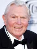 Andy griffith más conocido por sus dos series de t...