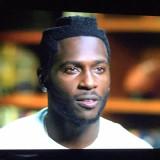 Pittsburgh WR Antonio Brown s corte de pelo parece...