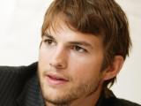 Ashton Kutcher fondos de escritorio 1024x768