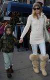 Kate Hudson y su hijo Ryder en la nieve de Aspen C...