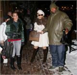 Mariah Carey deja la tienda Louis Vuitton en Aspen