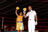 Ava Fiore que ganó su título de Guantes de Oro baj...