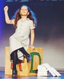 Bailey Ryon Original Broadway Matilda durante una...