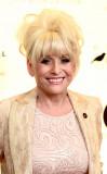 Barbara Windsor asistió a la Gala Ian de la Fundac...