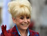 Barbara Windsor se ha disculpado por jurar en tele...