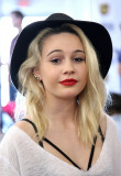BEATRICE MILLER en 2014 American Music Awards Radi...