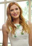 Jennifer Garner y Bella Thorne encantadora en blan...