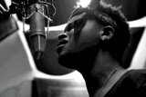MissInfo tv Watch BJ El niño de Chicago canta su c...