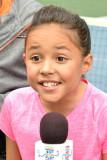 Breanna Yde La actriz Breanna Yde habla mientras l...