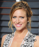 Pitch Perfect 2 s Brittany Snow Giros