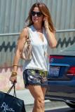 BROOKE BURKE en Shorts Out Compras en Malibu 07 02...