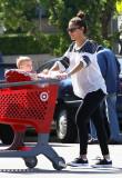 51982130 Vanessa Minnillo trae a su hija Brooklyn