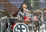 El baterista Brooks Wackerman interpreta a Lemmy K...