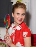 Caroline Sunshine Hot Actress Fotos e imágenes