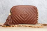 Chanel Brown Caviar Chevron acolchado bolso de la...