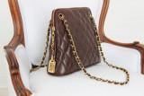 Chanel piel de cordero acolchada marrón RUE CAMBON...