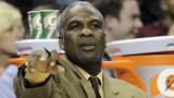 Charles Oakley expulsado del juego de los Knicks y...