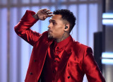 Chris Brown exige respeto por su