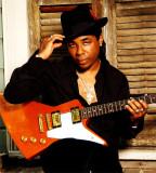 El músico ganador de blues Chris Thomas King en Se...