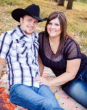 Brittany Laures y Cody Roeder planean boda en octu...