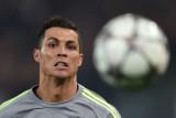 Cristiano Ronaldo entrena antes del choque del Man...