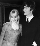Cynthia Lennon Primera esposa de John Lennon muere...