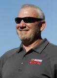 Dale Jarrett El Salón de la Fama de NASCAR camina...
