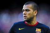 Daniel Alves Dani Alves, del FC Barcelona, mira...