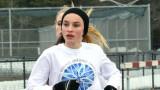 Danielle Jordan participa en una vuelta durante un...