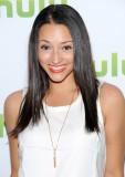 Danielle vega actriz danielle vega asiste a hulu s