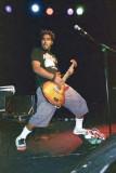 Dave Baksh es uno de los cuatro punks canadienses...