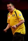 Dave Chisnall Dave Chisnall de Inglaterra celebra...