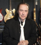 House Of Rock Kinks El guitarrista Dave Davies Sla...