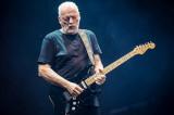 David Gilmour interpreta canciones de Pink Floyd S...