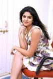 Deeksha Seth la ex Miss India está recibiendo buen...