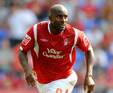 Dele Adebola s Nottingham Forest entrar en el part...