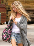 DENISE RICHARDS en Cut Off Compras en