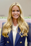 DENISE RICHARDS en Longines Masters of Los Angeles...