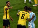 DeShorn Brown C plantea para un selfie con Lionel