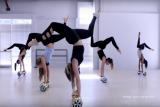 Acróbatas Danza a Justin Bieber s Lo siento en rar...